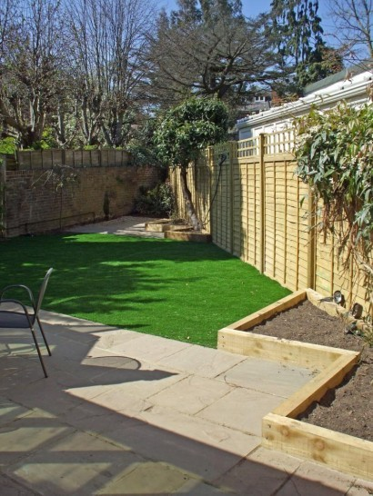 Garden landscaping surbiton landart uk for Domestic garden ideas